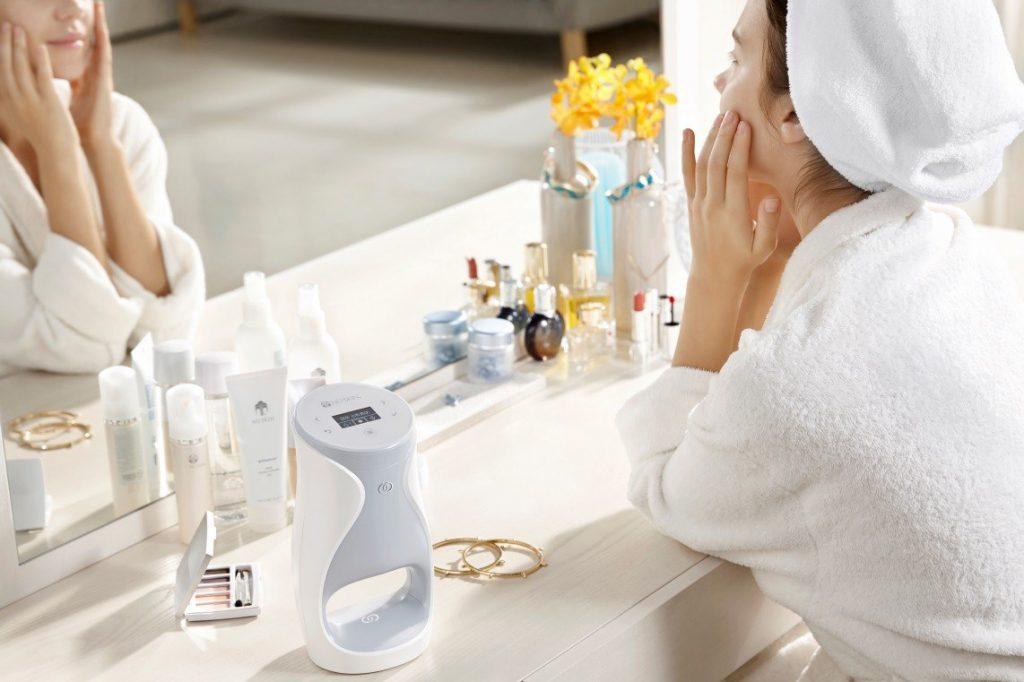 Sci-fi alebo realita? Personalizovaná starostlivosť o pleť vo Vašej kúpeľni.